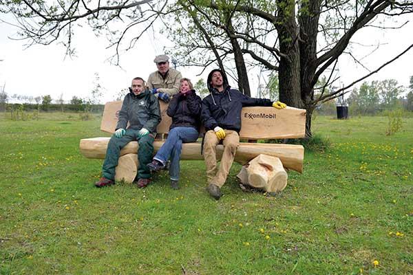 Eventjes uitrusten op onze knappe zitbanken in de Bospolder